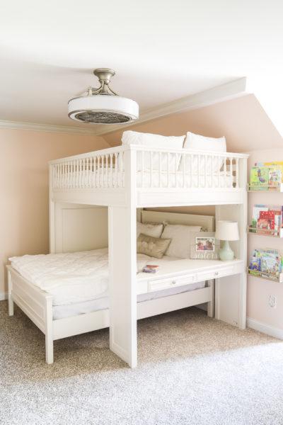 Built-in Desk in Bunk Bed/Loft Bed