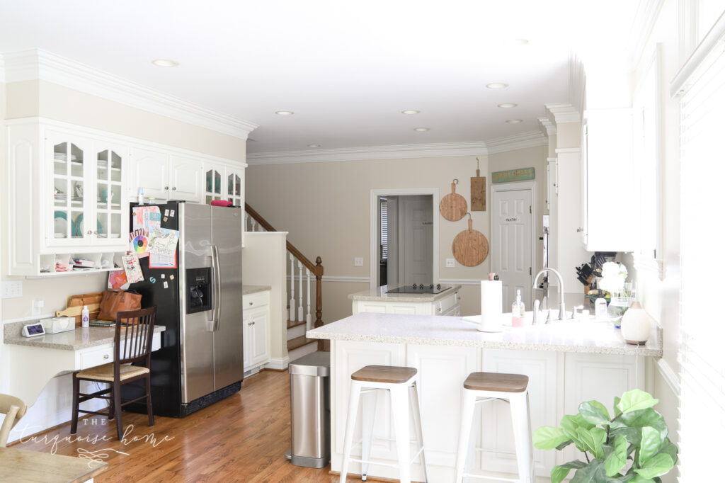 Traditional Kitchen with built-in desk