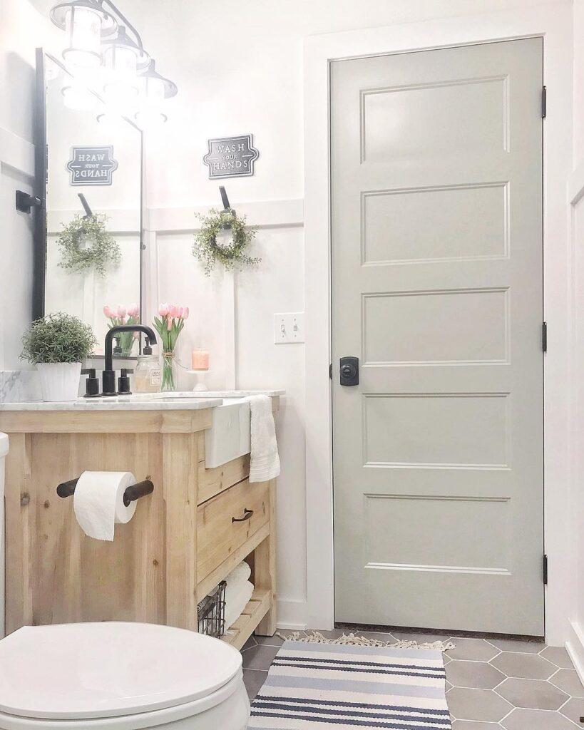 Bathroom with Mindful Gray interior door color.
