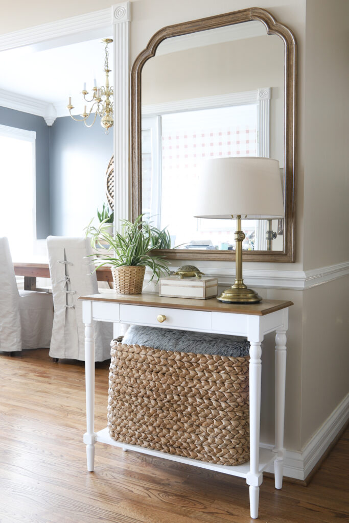Small Entryway Table in the Foyer