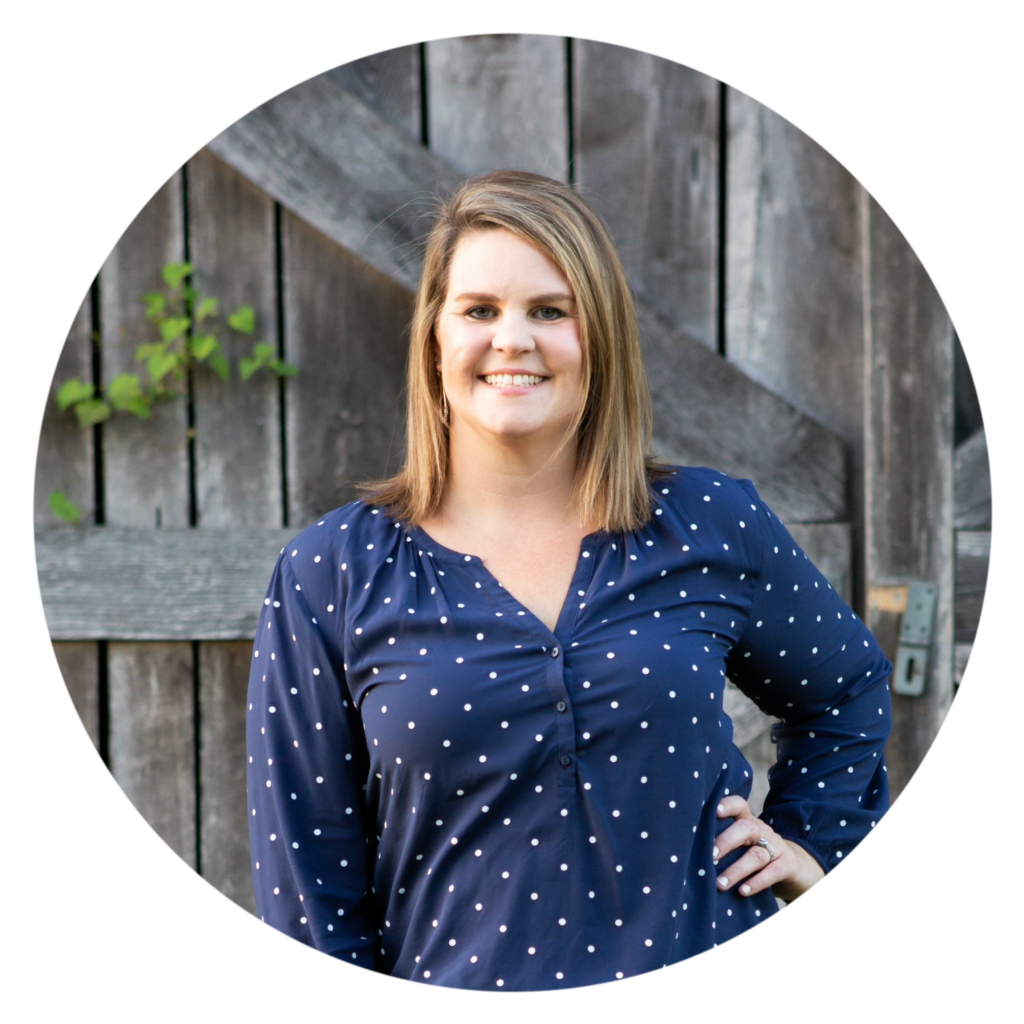 meet Laura, owner of The Turquoise Home